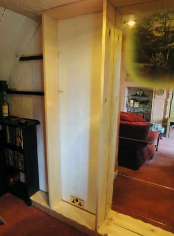 Frame for adjustable shelves