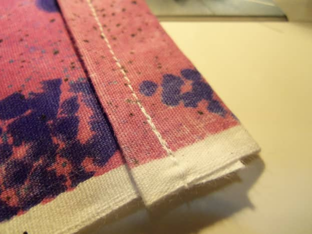 Close up of the one inch corner stitch is thicker.