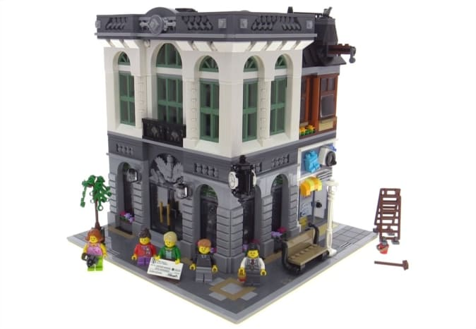 LEGO Creator Brick Bank Modular Building | On the outside, you see some interesting details.