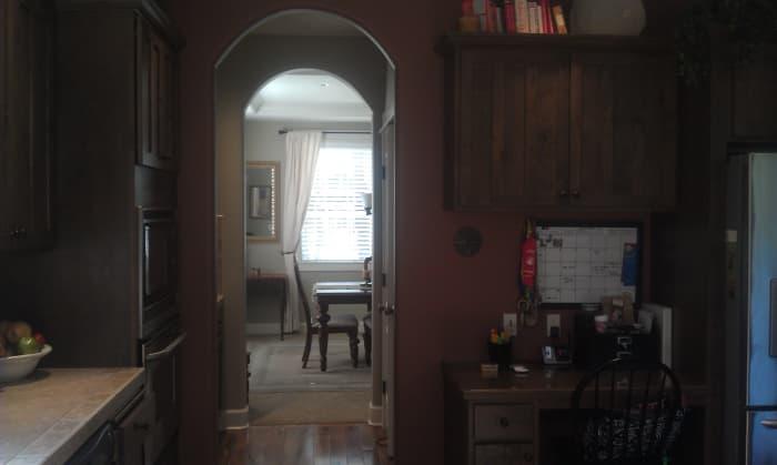 Brick red warmth in the kitchen