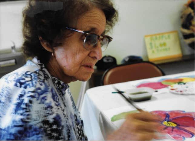 start-a-senior-citizen-art-therapy-class