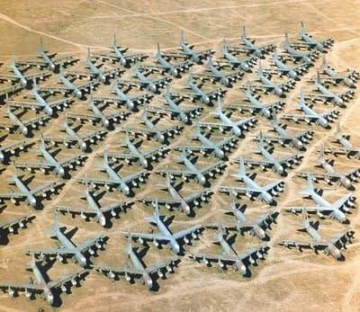 airplane-boneyards-graveyards-junkyards-cemetaries-mothballed-military-and-commercial-aircraft-soviet-american