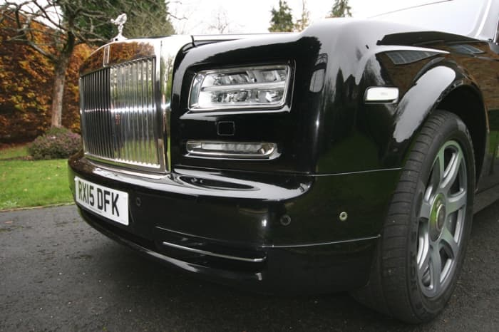 london-chauffeur-hire-company-becomes-the-first-in-the-uk-to-offer-the-rolls-royce-phantom-series-ii