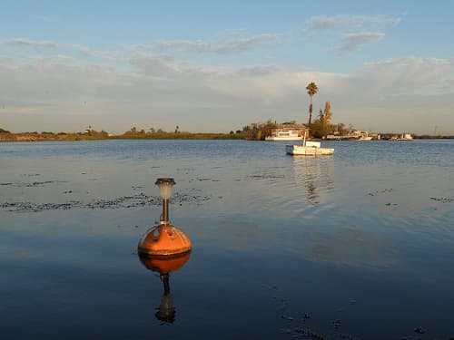 launch-a-boat-at-california-delta-boat-ramps