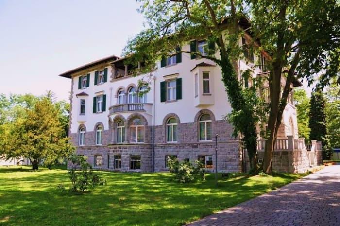 villa-in-the-park-adele-von-dietel