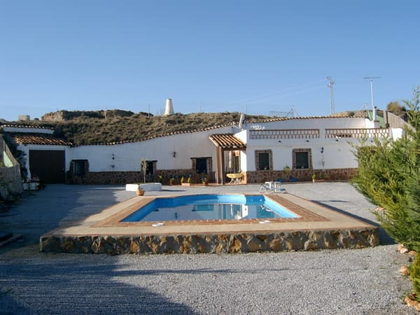 Country cave house near the historic market town of Baza.