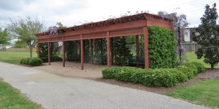 Trellis in Mason Road Park
