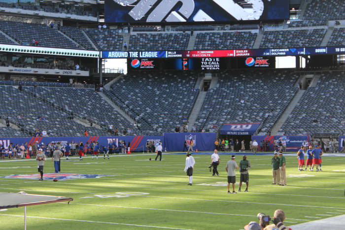 Practicing before the game against the NY Jets.
