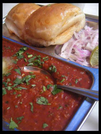 ready plate of pav bhaji