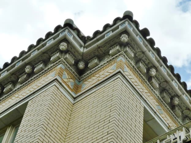 Details of architecture on the mansion