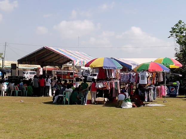 The Trade Fair at the lawn of townhall (Photo Source: Ireno A. Alcala)