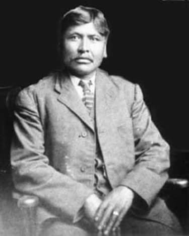 Hereditary chief of Ta'an Kwäch'än and Southern Tutchone people for over 40 years.