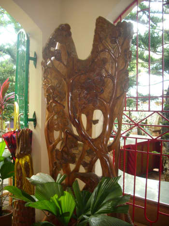 Wood carving at the reception