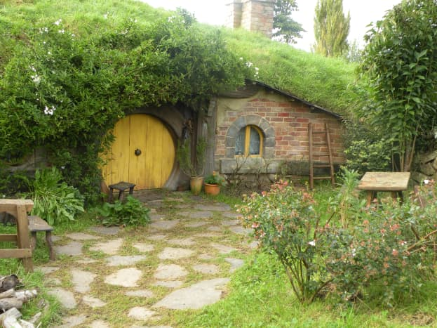 A lovely hobbit hole along the pathway.