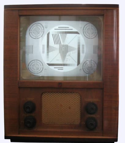 Old TV with Test Pattern on Display