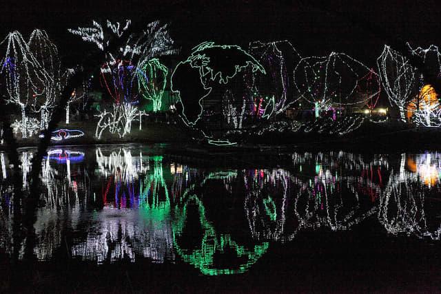 winter-wild-lights-at-the-columbus-zoo