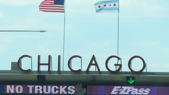 After about twelve hours of travel by car, we arrived in Chicago, Illinois. I was thrilled to see this sign along with the beautiful scenery along the way helped with the memories of my deceased husband.
