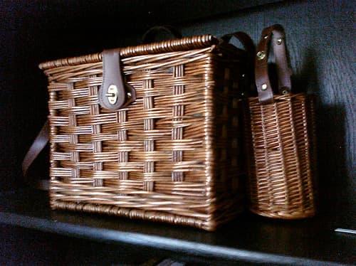 romantic-valentines-day-ideas-indoor-picnic