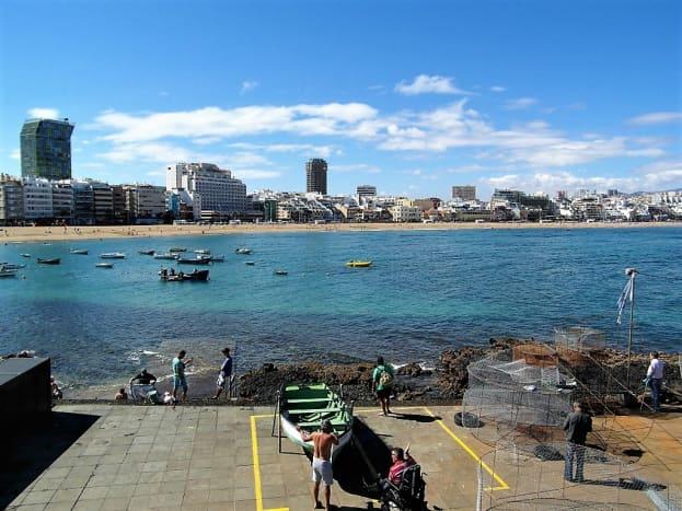 Playa de las Canteras from the north.