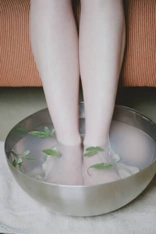 Soaking feet in warm water is good for health