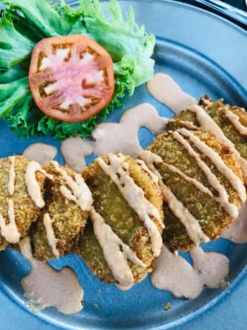 Smoke on the Water's Fried Green Tomato Appetizer
