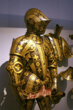 English armor from the 1500's with fleurs-de-lis and Tudor roses