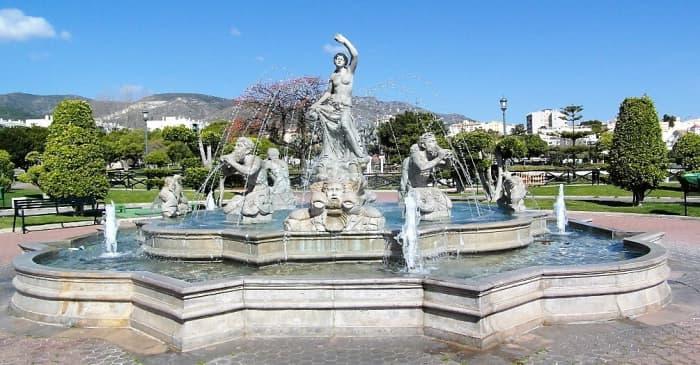 A fountain in Parque de la Bateria.