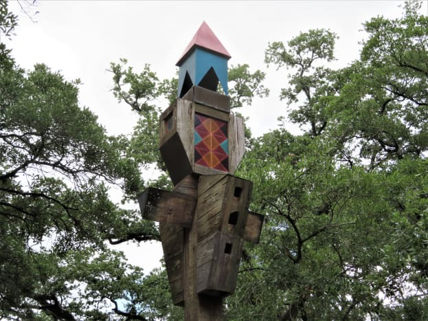 Closeup of the top of the totem pole birdhouse