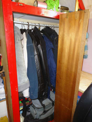 The clothes rail in its original location.