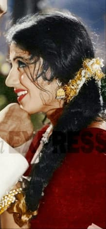 Madhubala's hairstyle was also different.