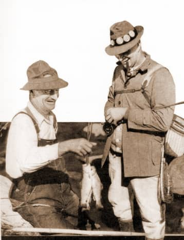Free vintage printable greeting cards for Father's Day: two men fishing