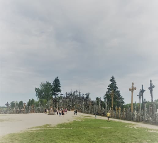 road-trip-in-lithuania-from-beach-manors-to-the-hill-of-crosses