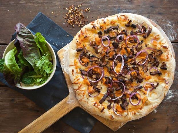 Washington: Wild Salmon Chanterelle Pizza