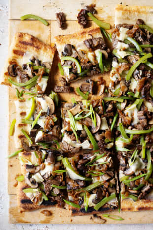 Pennsylvania: Philly Cheesesteak Pizza