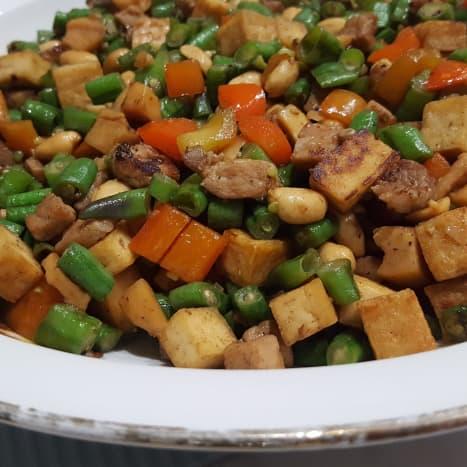 Mixed stir-fry with tai tow choi