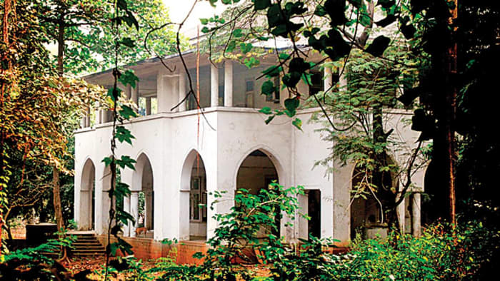 Learn about the history of Mohammed Ali Jinnah's house in Mumbai, India!