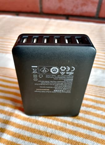 This 60W charger has six USB-A outputs