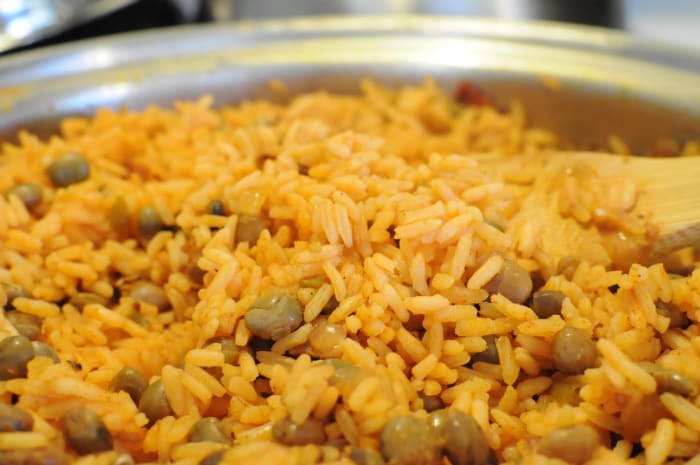 Arroz con gandules (rice with pigeon beans).