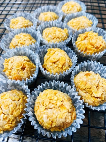 The crispy cornflake cookies look like golden nuggets!