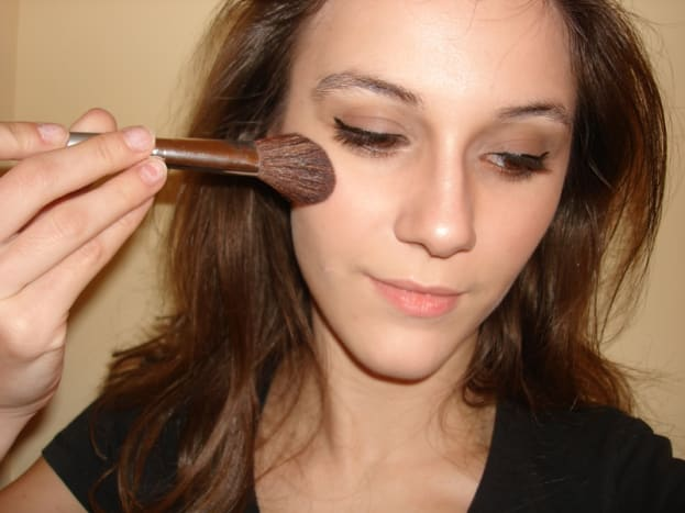 tomb-raider-lara-croft-makeup-tutorial