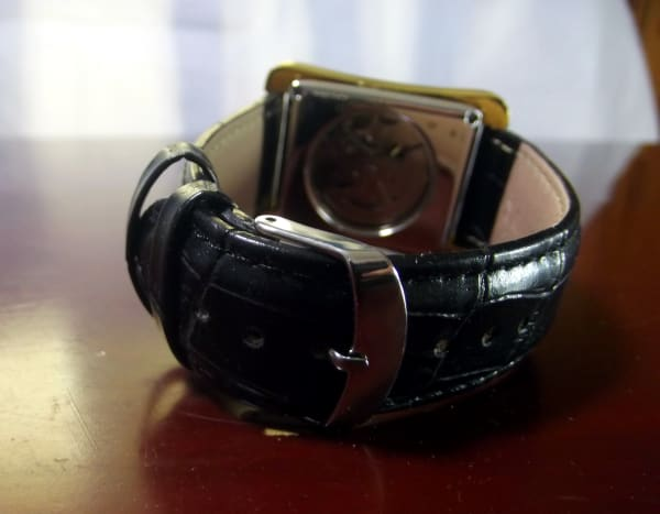 Sewor 065 Automatic Watch.  Note that the buckle of the PU leather strap is silver, ill-matching the gold case.
