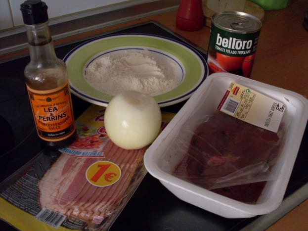 Ingredients for liver and bacon casserole