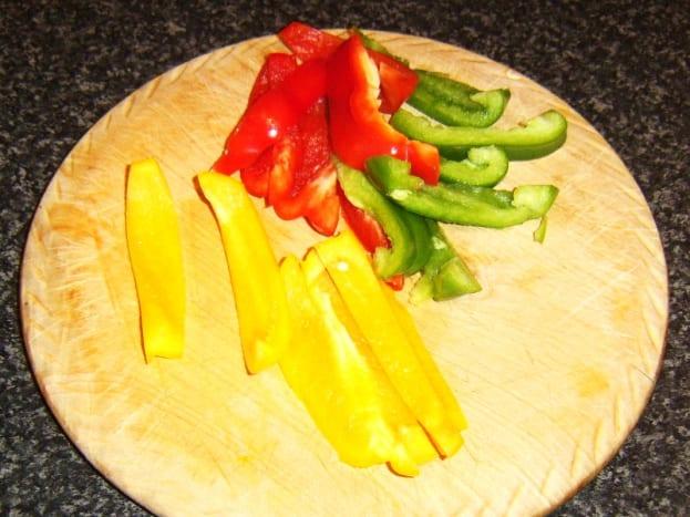 Bell pepper slices for frittata
