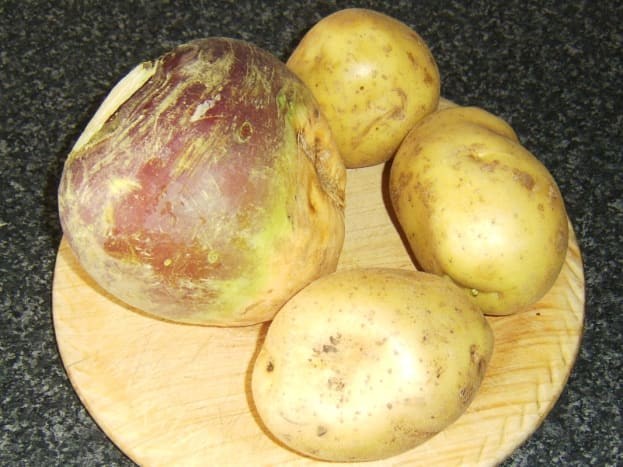 Swede turnip and potatoes are the principal ingredients of clapshot