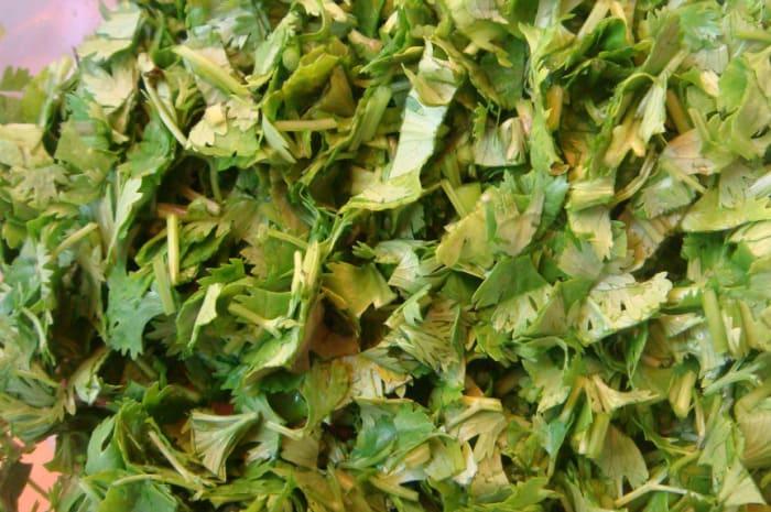 Cut cilantro.