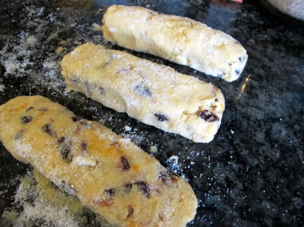 If storing cookie dough, shape into logs.