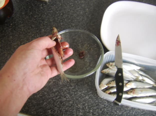Cleaning sprats