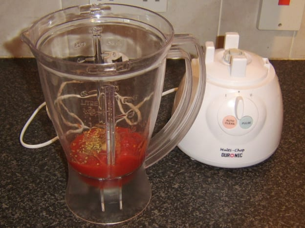 Tomatoes and seasonings are blended for pasta sauce