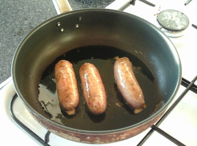 Frying chilli sausages