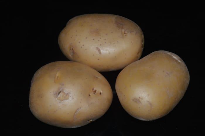 Select large potatoes